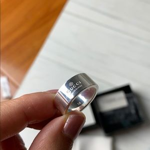 Gucci silver thick band ring